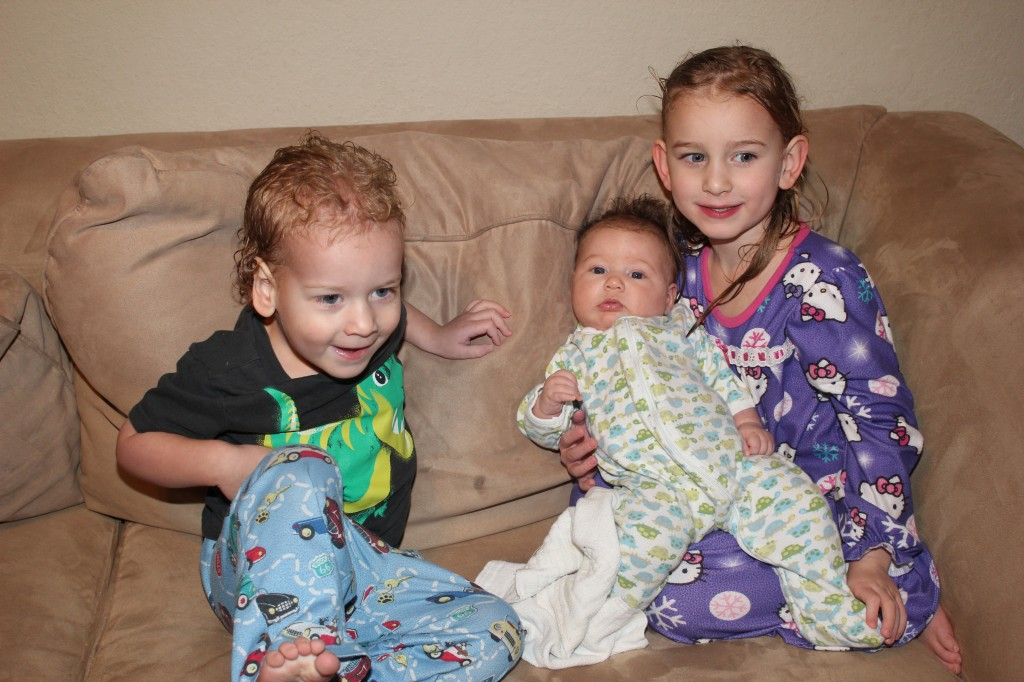 I was so proud that I managed to get all three bathed all by myself =)