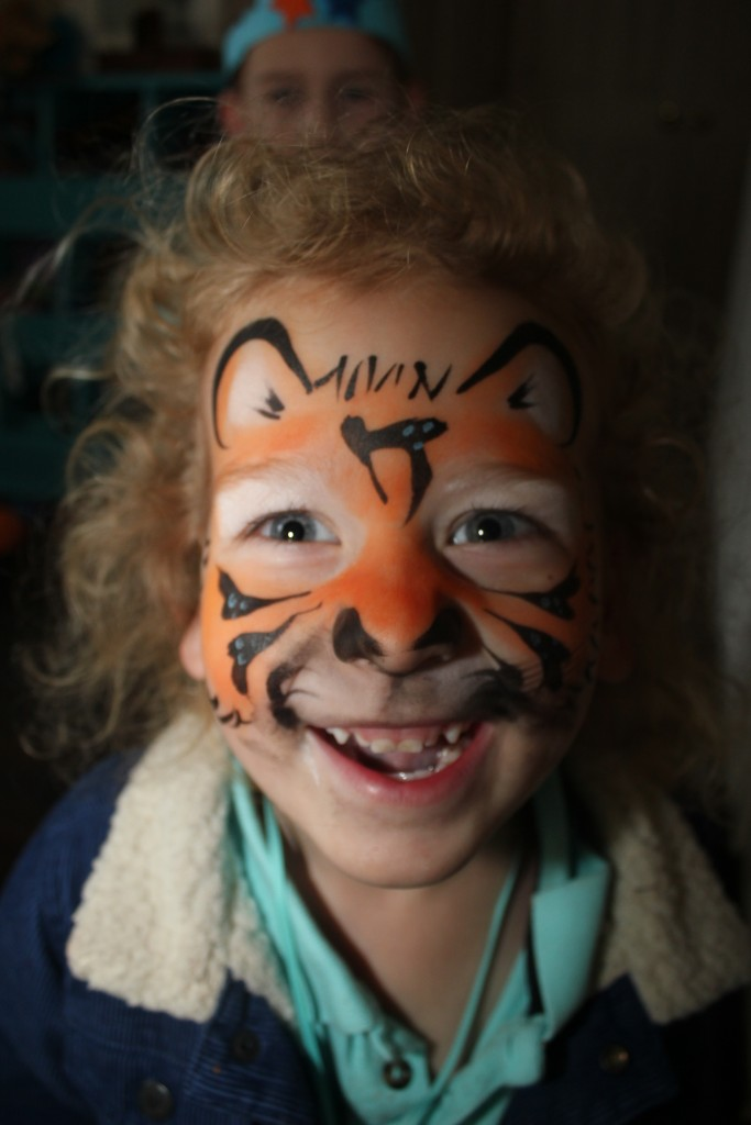 DZ got his face painted at his friend Mia's party.  He loved it so much!  He wants to either have a tiger birthday or he wants to have an Elsa birthday because Mia loves Elsa =)