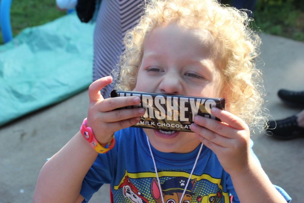Aunt Jen brought chocolate!!!