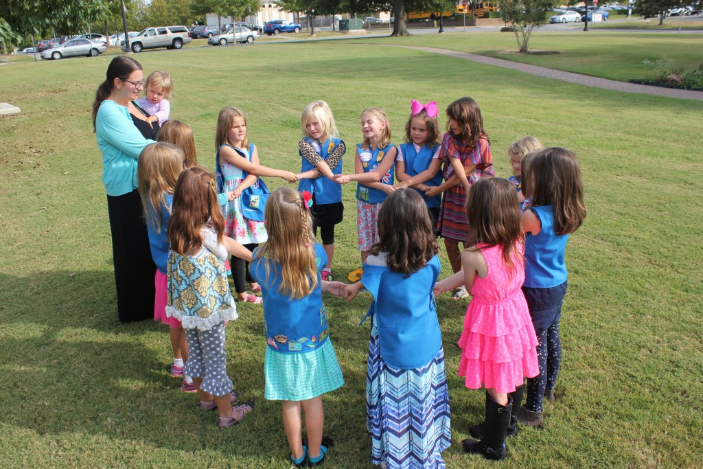 Daisy Friendship Circle. Serenity got to start the song.